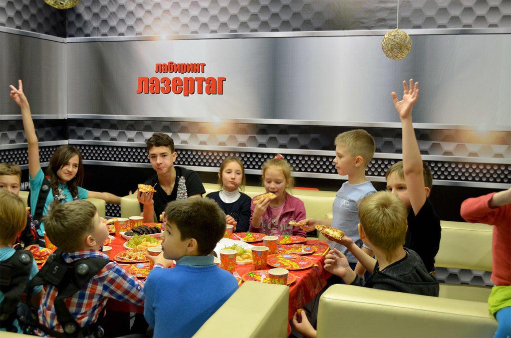 лазертаг-празднование-у-детей-1024x678