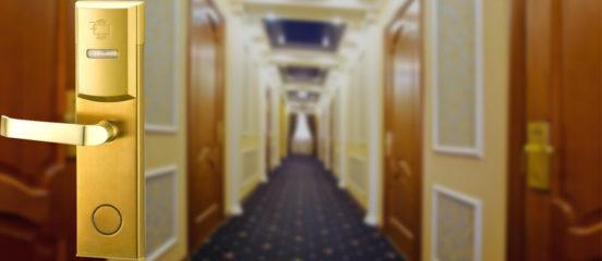 Современные замки для отелей